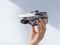 DJI Mini 2 Fly More Combo, mobile Kameradrohne inkl. Zubehör, hellgrau
